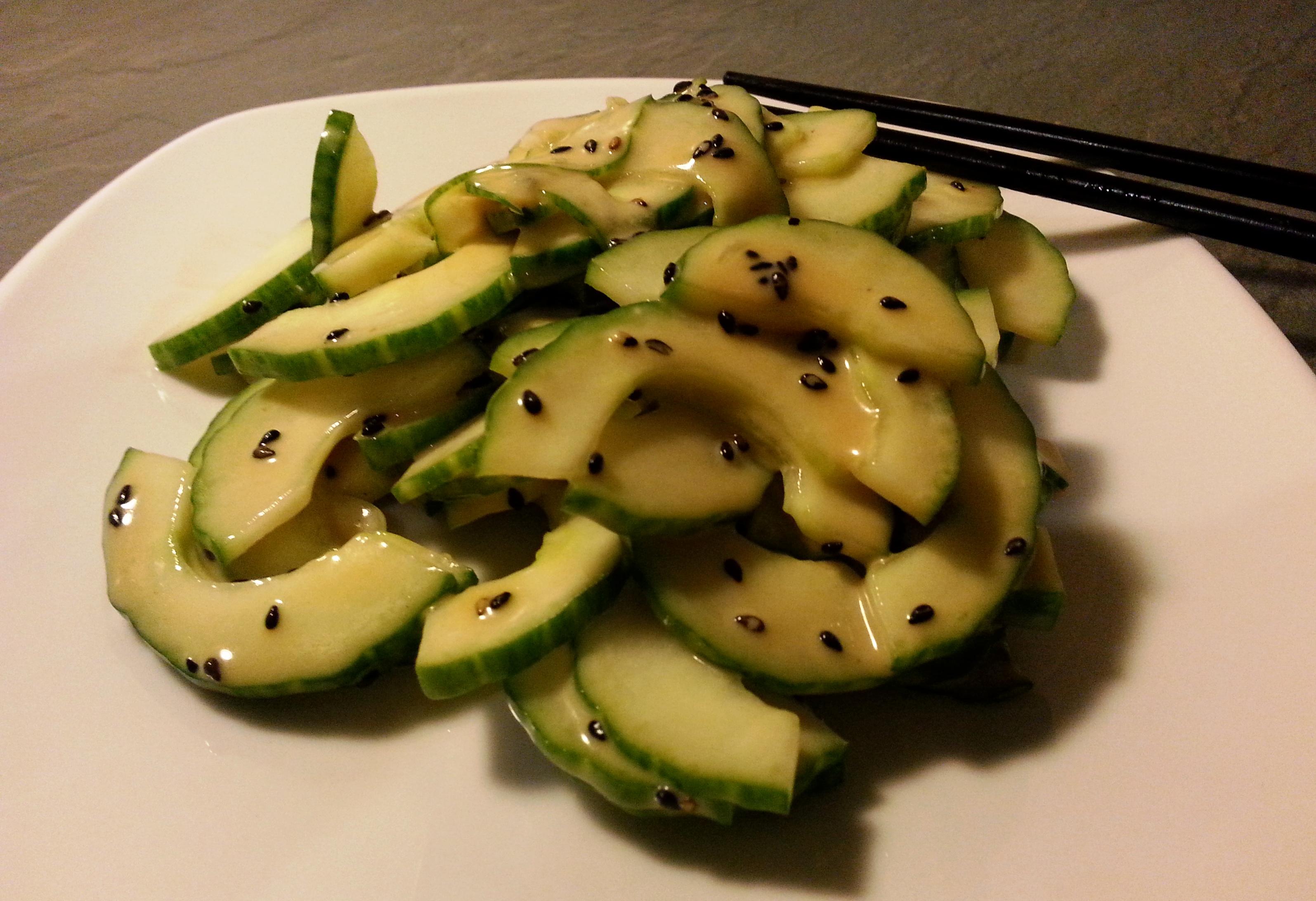 Japanischer Gurke-Sesam Salat