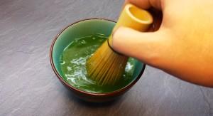 Matcha Tee anrühren