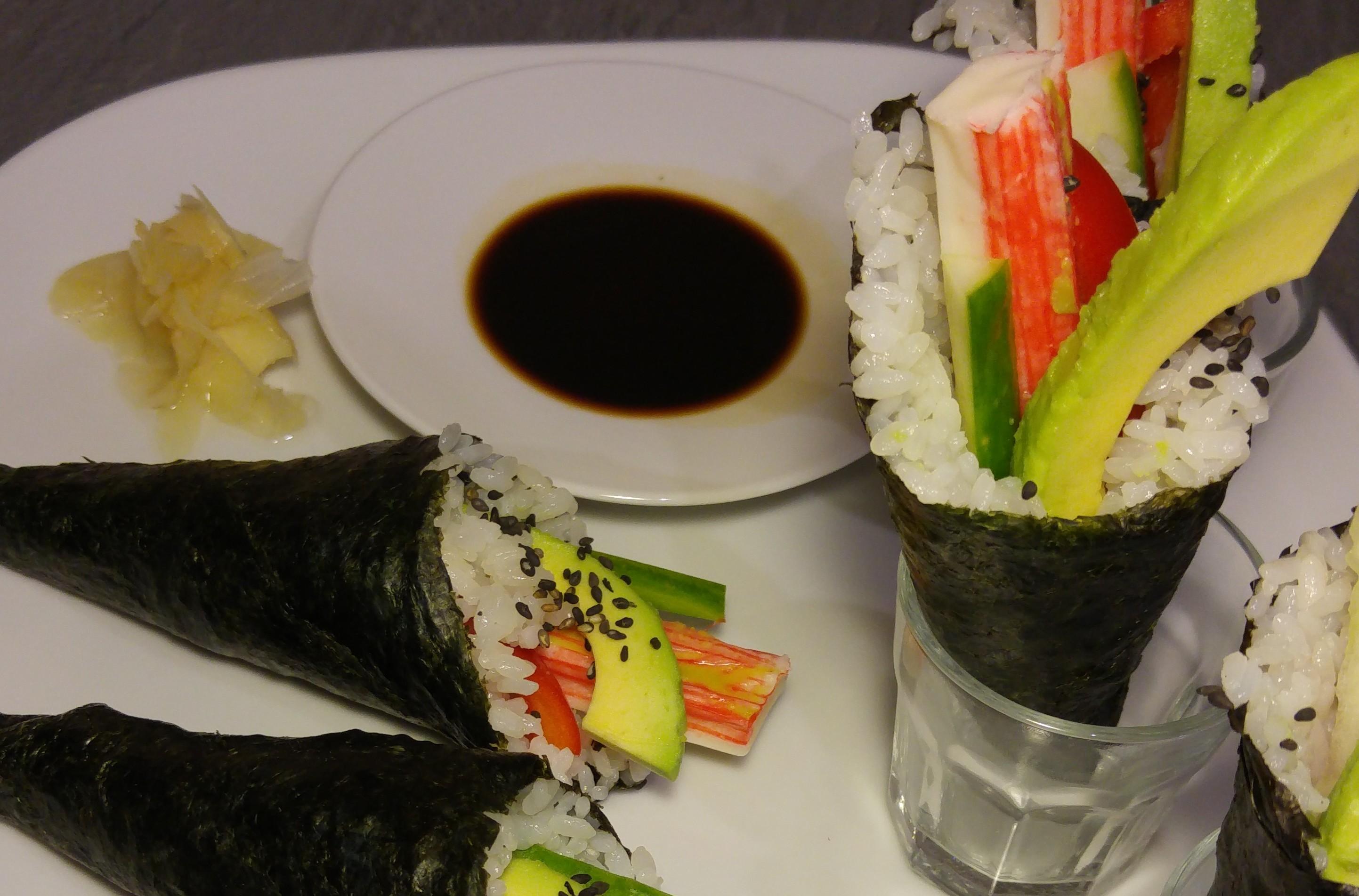Temaki selbst zu Hause machen – Handgerollte Sushi