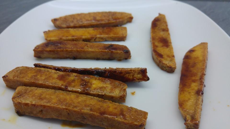 Gebratener Tofu in würziger Sauce