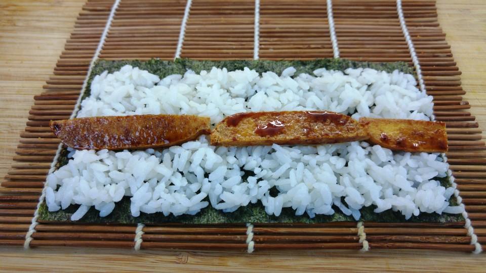Hoso Maki Sushi vorbereitet zum Rollen