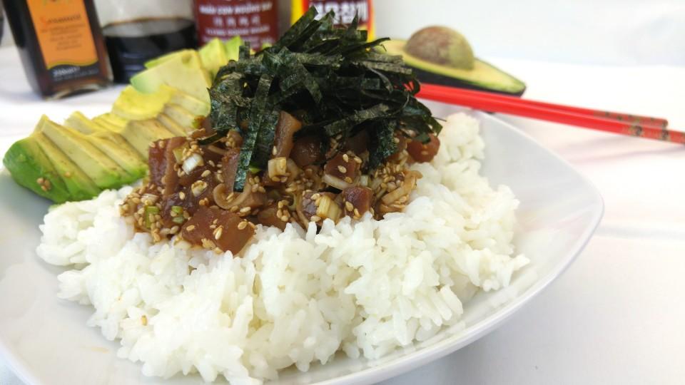 Donburi - Reis Schüssel mit scharfem Thunfisch