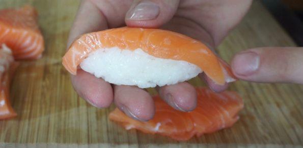 Lachs Nigiri - der Klassiker der japanischen Sushis
