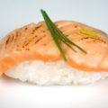 Vorschaubild flambiertes Lachs Nigiri Sushi