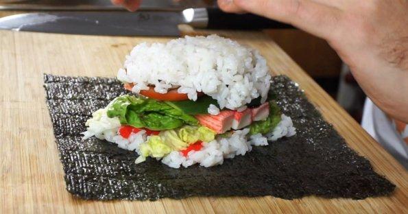 Sushisandwich bereit zum einpacken