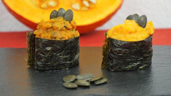Gunkanmaki Sushi mit zweierlei Hokkaido Kürbispüree